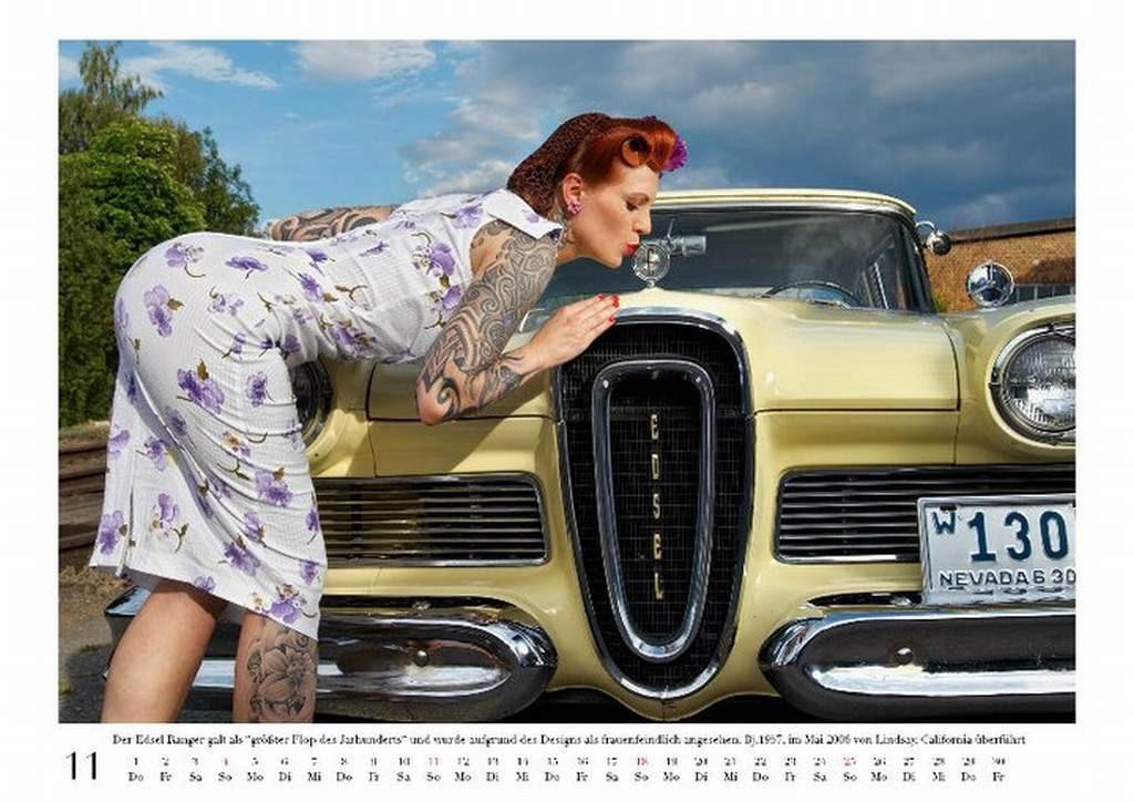 Auto-Kalender mit Sex-Appeal: US Cars & Girls 2012