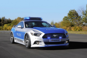 "Ford Mustang Polizeiwagen von ""Tune it safe!"