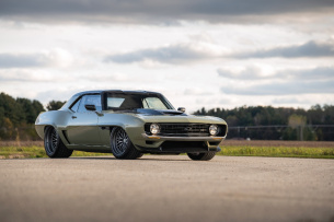 "Made for Belgium: 1969er Chevrolet Camaro ""Valkyrja"" – SEMA Show Stopper by Ringbrothers"
