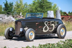 Dry Lakes Deuce Roadster: 1932 Ford 'Hi-Boy' Roadster